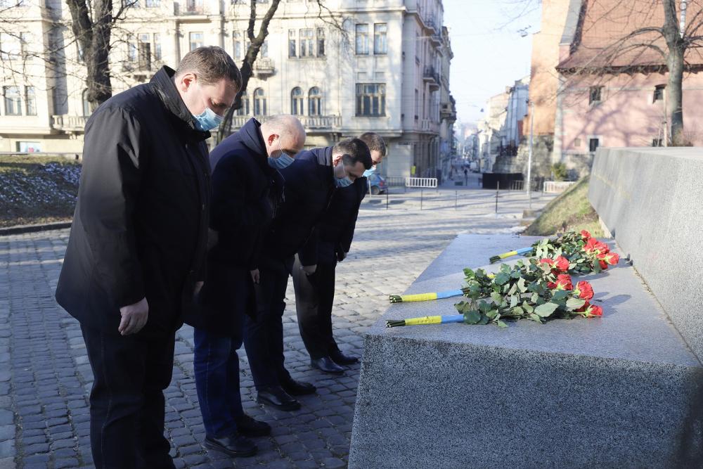 25 березня - 22-а річниця з дня загибелі В'ячеслава Чорновола
