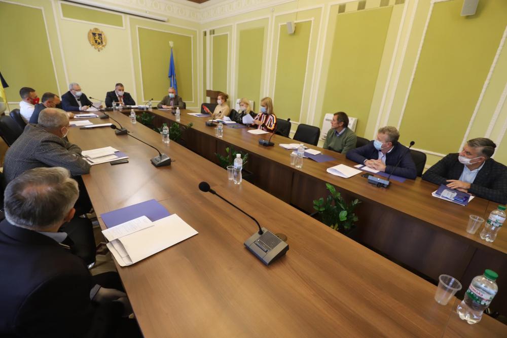 Остання сесія Львівської обласної ради сьомого скликання відбудеться після виборів, - рішення президії